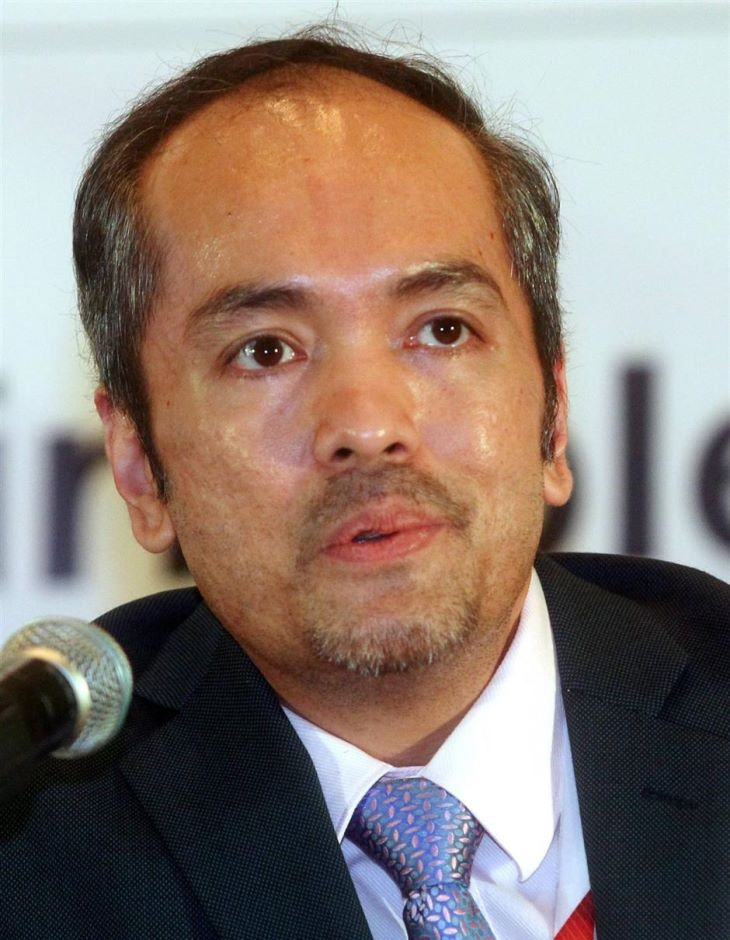 Deputy CEO (strategy) Emoloyees Provident Fund Malaysia, Tunku Alizakri Raja Muhammah Alias.